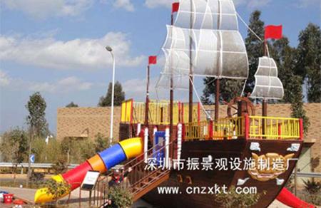 云南昆明景观游乐船